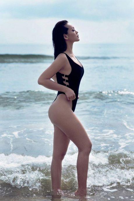Thuong thuc tron bo anh bikini moi nhat cua Mai Ngo - Anh 4