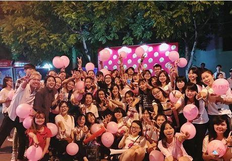 Chia tay Cong Phuong, Hoa Minzy thoai mai hon fan nu - Anh 12