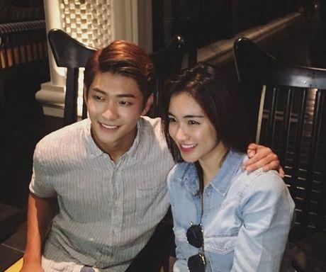 Chia tay Cong Phuong, Hoa Minzy thoai mai hon fan nu - Anh 3