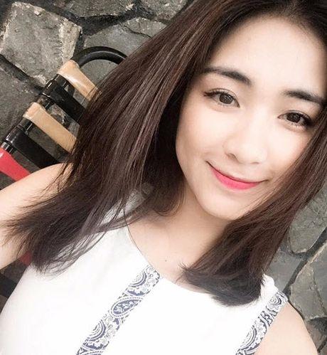 Chia tay Cong Phuong, Hoa Minzy thoai mai hon fan nu - Anh 6