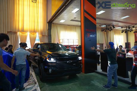 """Khung long"" Chevrolet Silverado chat vat vao Vietnam Motor Show 2016 - Anh 10"