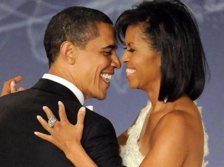 "24 nam ngay cuoi, Obama ""khoe"" vo tren mang xa hoi - Anh 1"