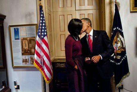 "24 nam ngay cuoi, Obama ""khoe"" vo tren mang xa hoi - Anh 3"