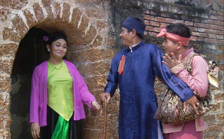 Sat ngay cong dien, khan gia rao riet san ve liveshow Xuan Hinh - Anh 3