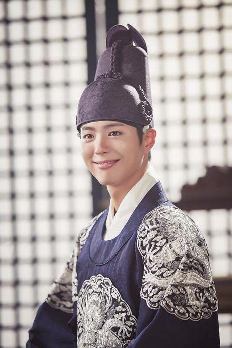 Park Bo Gum - Song Joong Ki: Doi ban than 'sang nhat nam' tren man anh chau A - Anh 13