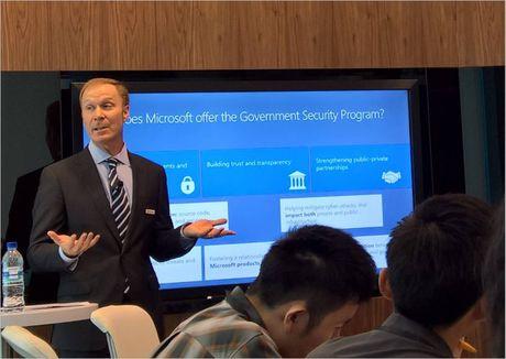Microsoft chong lai nan khai thac tinh duc tre em - Anh 1