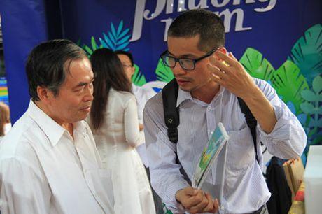 Trien lam Lich khuyen doc dong hanh cung du an Sach hoa nong thon - Anh 7
