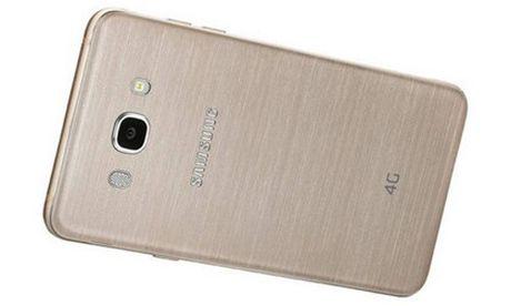 Samsung ra Galaxy On8 cau hinh manh, gia 239 USD - Anh 2