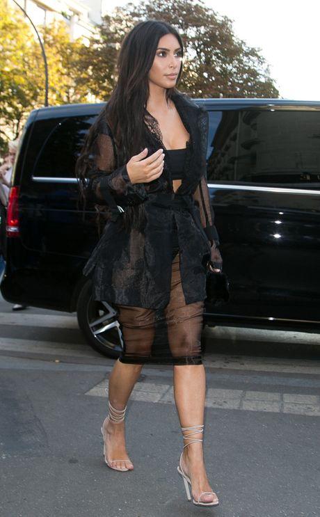 Kim Kardashian van xin ke cuop tha mang vi con con nho - Anh 2