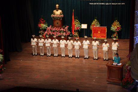 Canh sat PCCC TP.HCM nhan huan chuong Bao ve To quoc - Anh 6