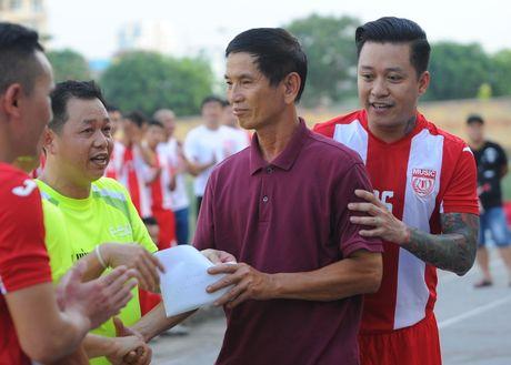 Tuan Hung ghi ban dep mat o tran dau tu thien - Anh 10