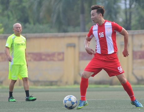 Tuan Hung ghi ban dep mat o tran dau tu thien - Anh 3
