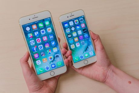 Nhan vien bi cong ty TQ sa thai neu dung iPhone 7 - Anh 1