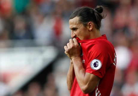 Ibrahimovic dut diem cuc te, hon moi Rooney - Anh 1
