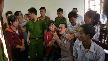 Vo bi cao quy lay cam on vi toa huy an - Anh 1