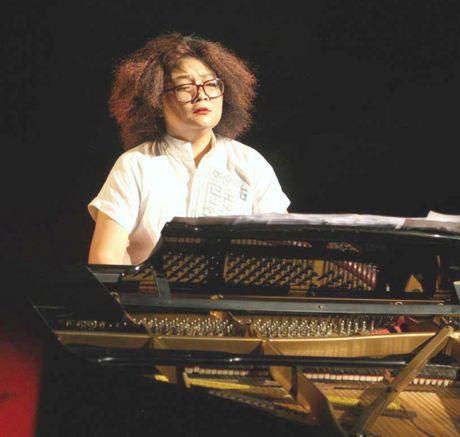 Pho An My tao 'de che rieng' voi doi thoai piano - cheo - Anh 1
