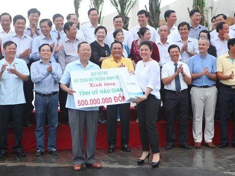 Quy Ho tro xay dung moi truong xanh Viet Nam tang tinh Hau Giang 500 trieu dong trong cay xanh - Anh 1
