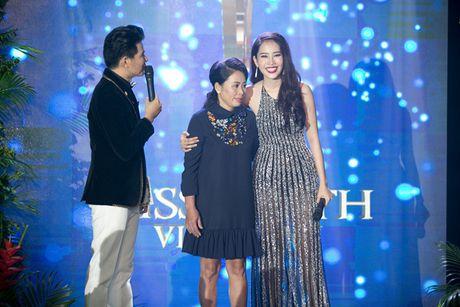 Nam Em 'khoe' trang phuc tham du Hoa hau Trai dat 2016 - Anh 11