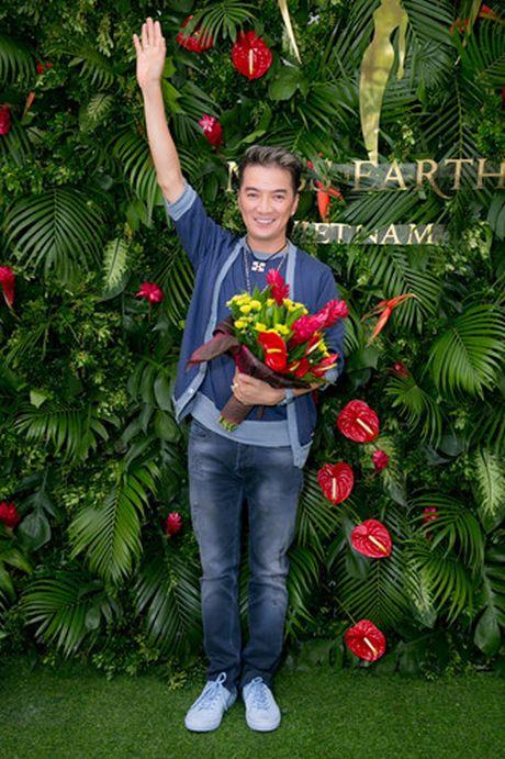 Nam Em 'khoe' trang phuc tham du Hoa hau Trai dat 2016 - Anh 12