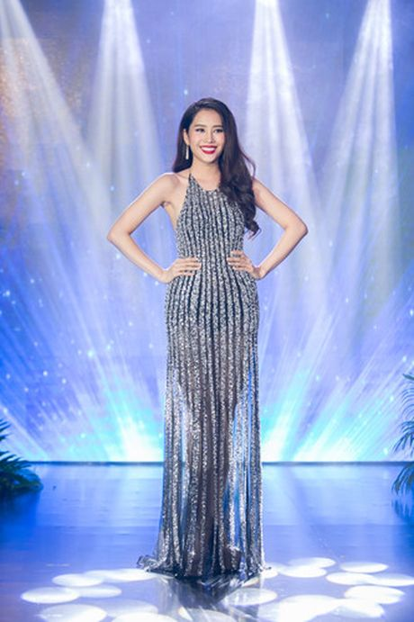 Nam Em 'khoe' trang phuc tham du Hoa hau Trai dat 2016 - Anh 6