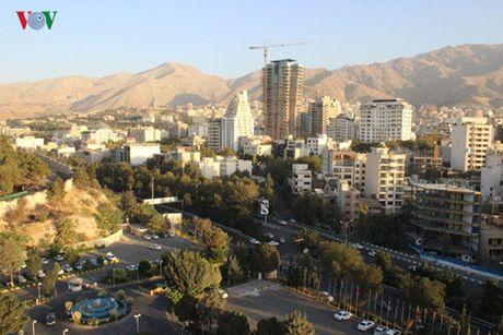 Mong mot lan tro lai Tehran - Anh 1