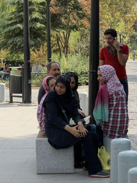 Mong mot lan tro lai Tehran - Anh 2