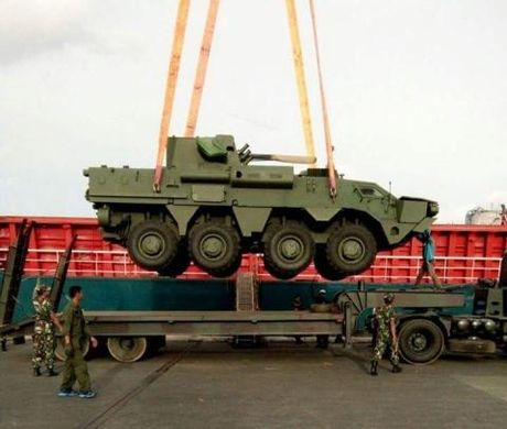 Xe BTR-4M Ukraine chien thang ngoan muc truoc Nga - Anh 1