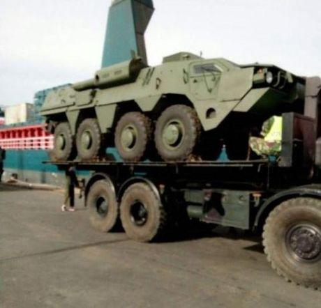 Xe BTR-4M Ukraine chien thang ngoan muc truoc Nga - Anh 3