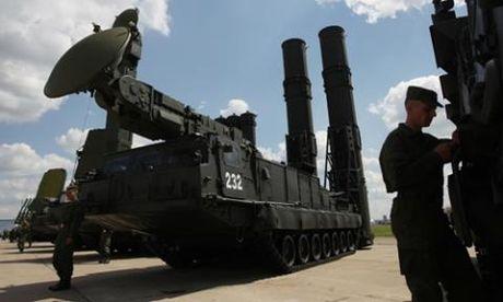 Nga mang S-300VM toi, bien Syria thanh phao dai? - Anh 1