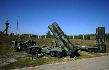Nga mang S-300VM toi, bien Syria thanh phao dai? - Anh 2
