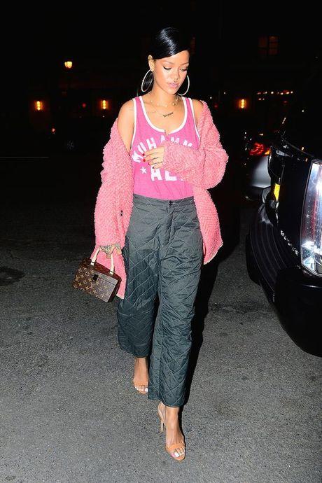 Rihanna thuc su la tin do cua mau hong - Anh 14