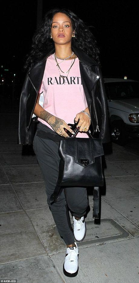 Rihanna thuc su la tin do cua mau hong - Anh 17