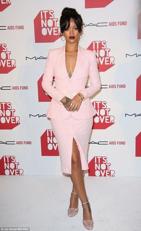 Rihanna thuc su la tin do cua mau hong - Anh 20