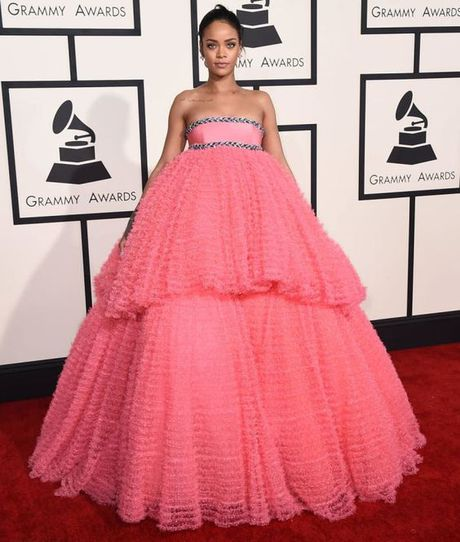 Rihanna thuc su la tin do cua mau hong - Anh 23