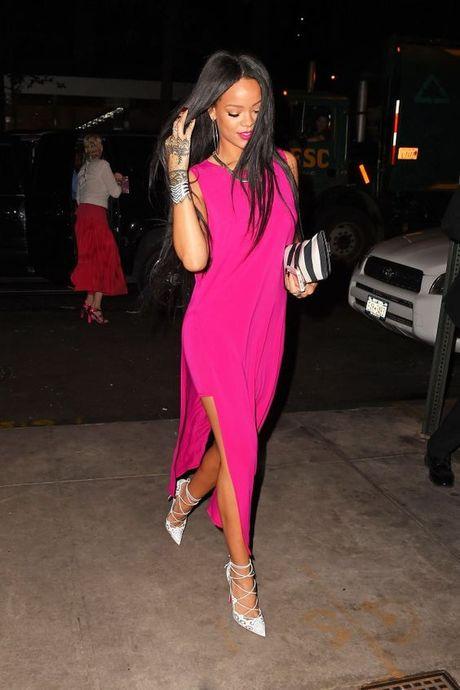 Rihanna thuc su la tin do cua mau hong - Anh 4