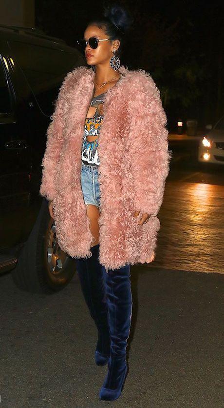 Rihanna thuc su la tin do cua mau hong - Anh 9