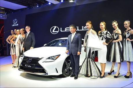 Lexus tap trung vao 4 san pham chu chot tai Vietnam Motor Show 2016 - Anh 2