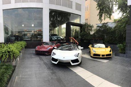 'Tam hoang' sieu xe tien ty Lamborghini, Ferrari tai Ha Noi - Anh 1