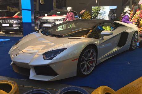 'Tam hoang' sieu xe tien ty Lamborghini, Ferrari tai Ha Noi - Anh 3