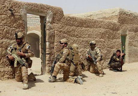 Quan doi Afghanistan xua duoi phien quan Taliban khoi Kunduz - Anh 1