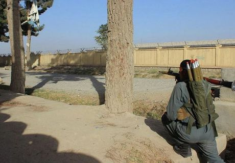 Quan doi Afghanistan xua duoi phien quan Taliban khoi Kunduz - Anh 2