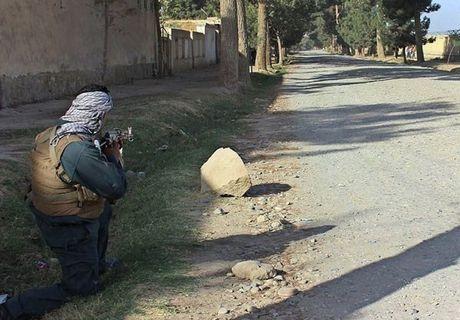 Quan doi Afghanistan xua duoi phien quan Taliban khoi Kunduz - Anh 3