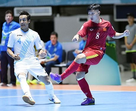 Hay bau chon de ban thang cua Minh Tri len dinh futsal the gioi - Anh 1