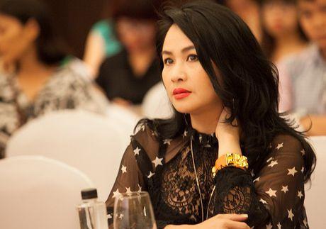 Ca si Thanh Lam: 'Showbiz bay gio 80% la song ao va gia tao' - Anh 1
