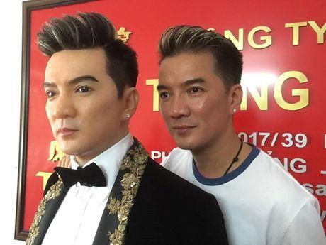 Dam Vinh Hung tao chieu tro gay tranh cai trong liveshow tien ti nhu the nao? - Anh 2