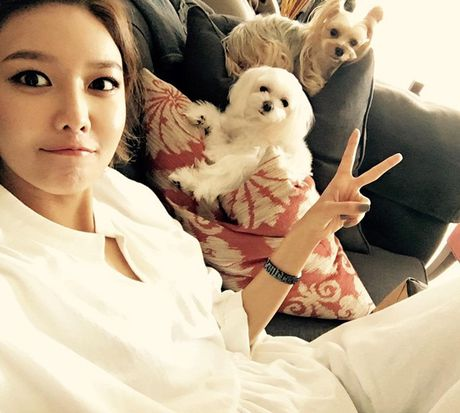 Sao Han 5/10: Seo Hyun nhi nhanh ben 2 hoang tu dep trai, Sulli da trang non - Anh 4