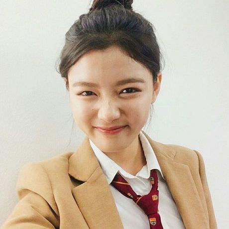 Sao Han 5/10: Seo Hyun nhi nhanh ben 2 hoang tu dep trai, Sulli da trang non - Anh 7