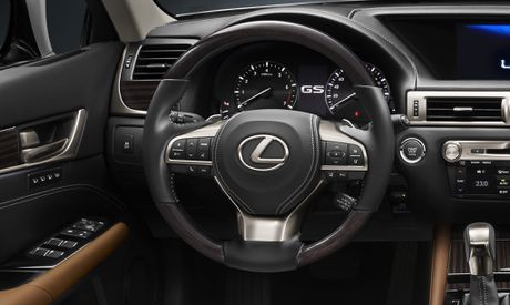 Lexus mang phong cach hoa tiet hinh 'con suot' doc dao den VMS 2016 - Anh 2