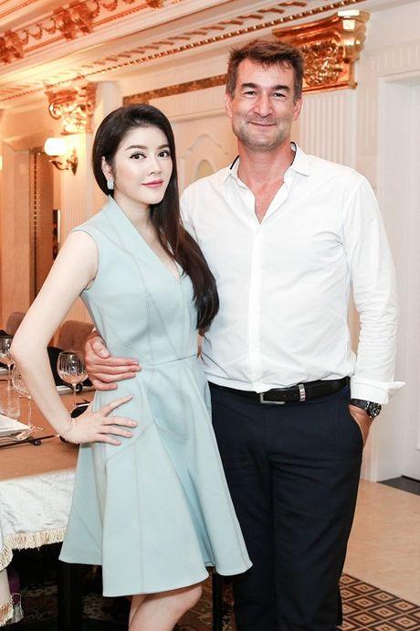 Ly Nha Ky gap go nguoi dan ong quyen luc tai nha rieng - Anh 5