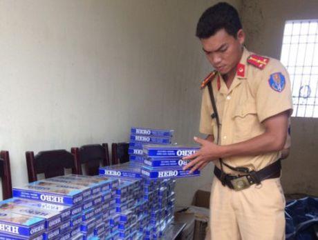 Thanh Hoa: Bat xe khach mang thuoc la lau tu Quang Tri di Lang Son - Anh 1